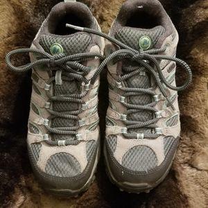 Merrell Sz 7 Moab tan/mint green hiking sneakers